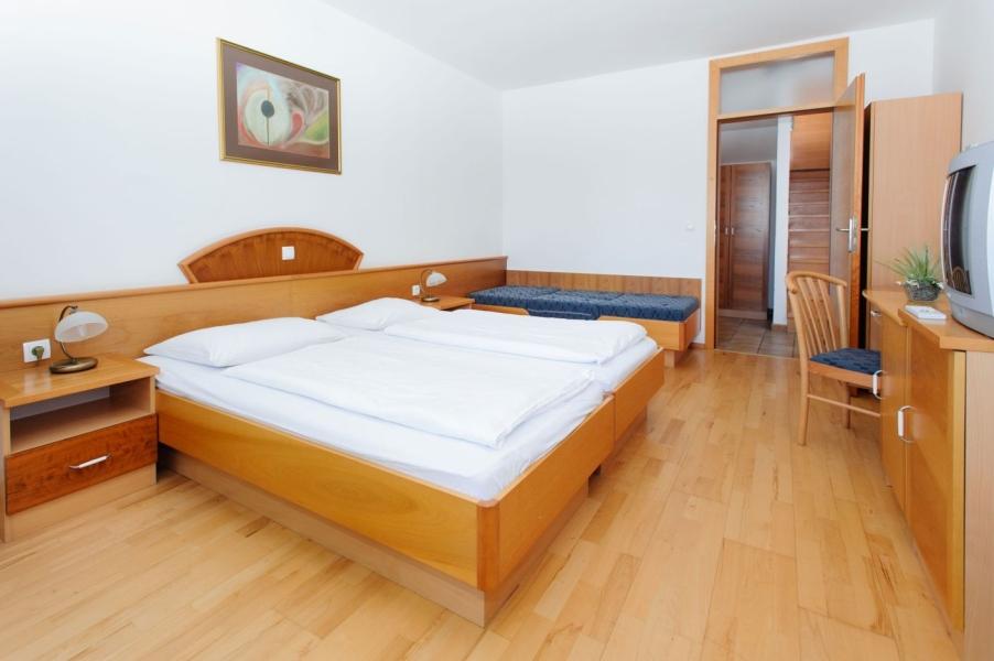 Hotel Brinje 2 1 - ROGLA 26.-30.12.2021.
